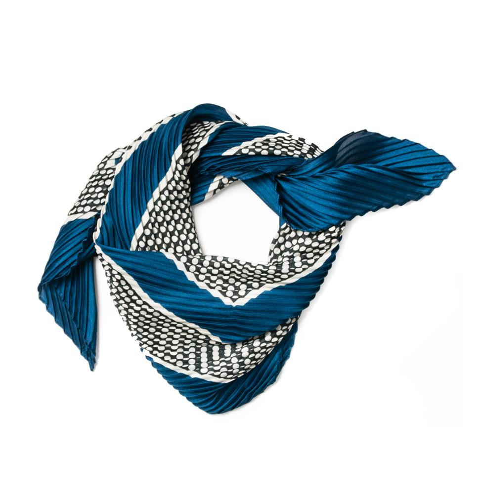 Scarf, small plizze black/white blue