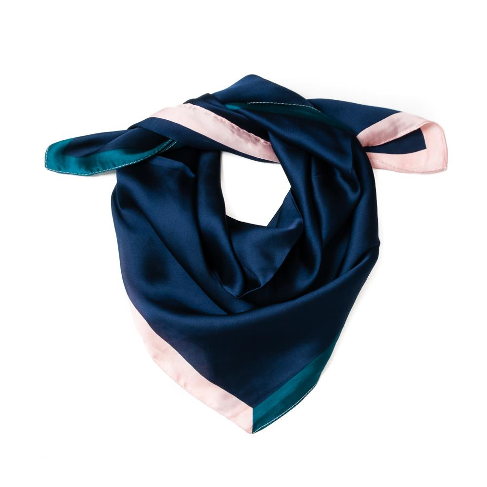 Scarf, small contrast edge navy
