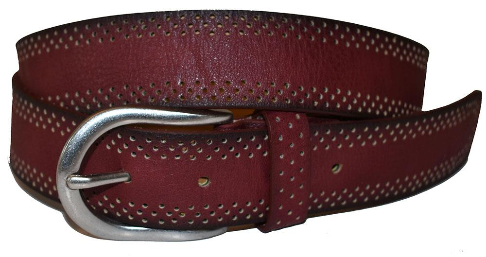 Belt, with edge of holepattern