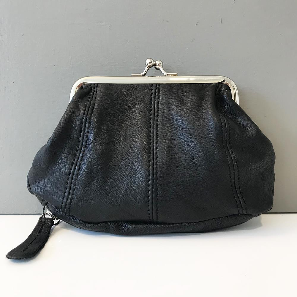 Bag, Leather purse with zipper
