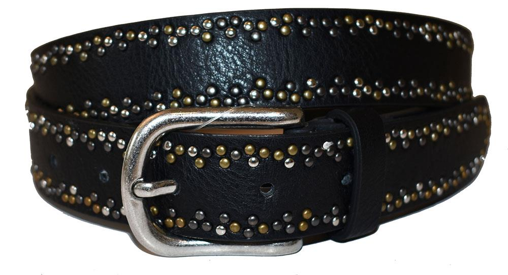 Belt, with rivets pattern