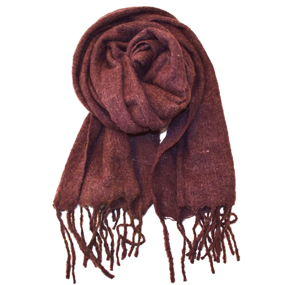 Fluffy wool scarf with fringes