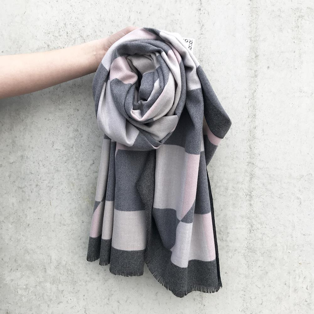 Scarf, Grafical pattern cashmere feeling grey