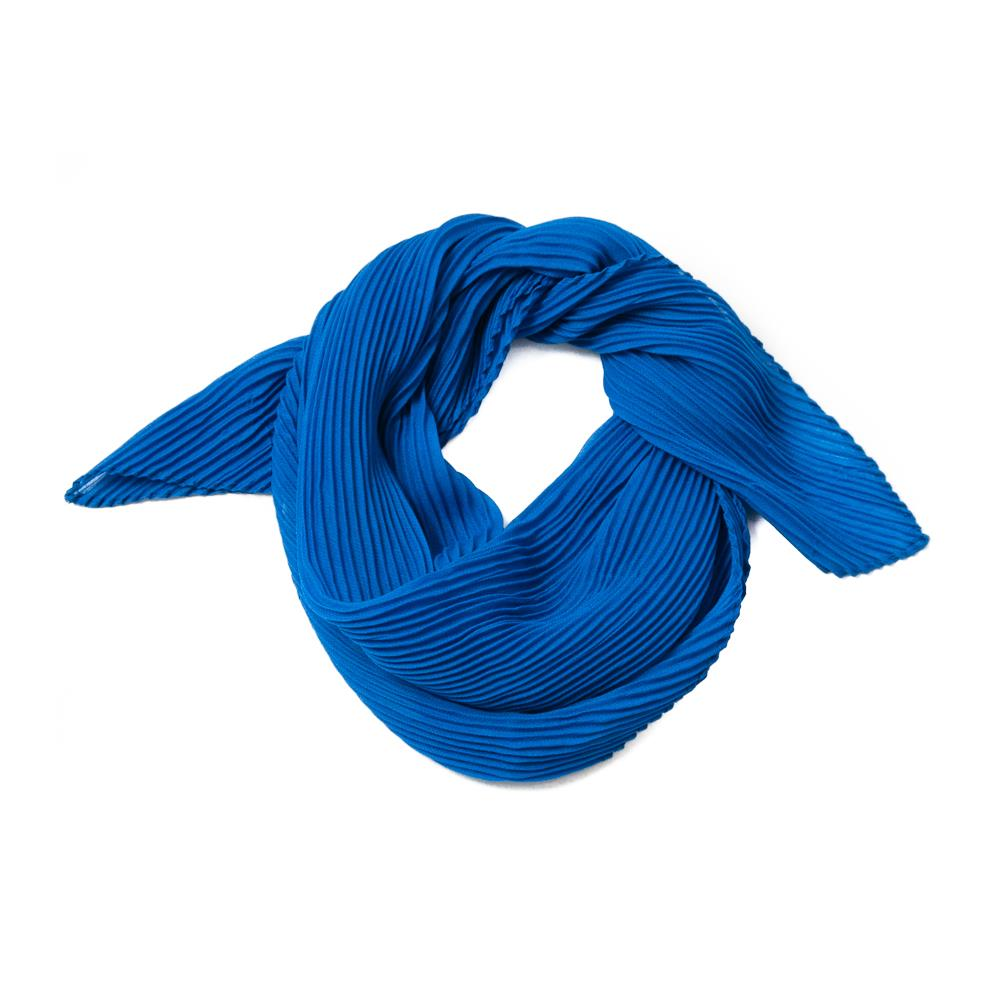 Scarf, small plizze bright blue