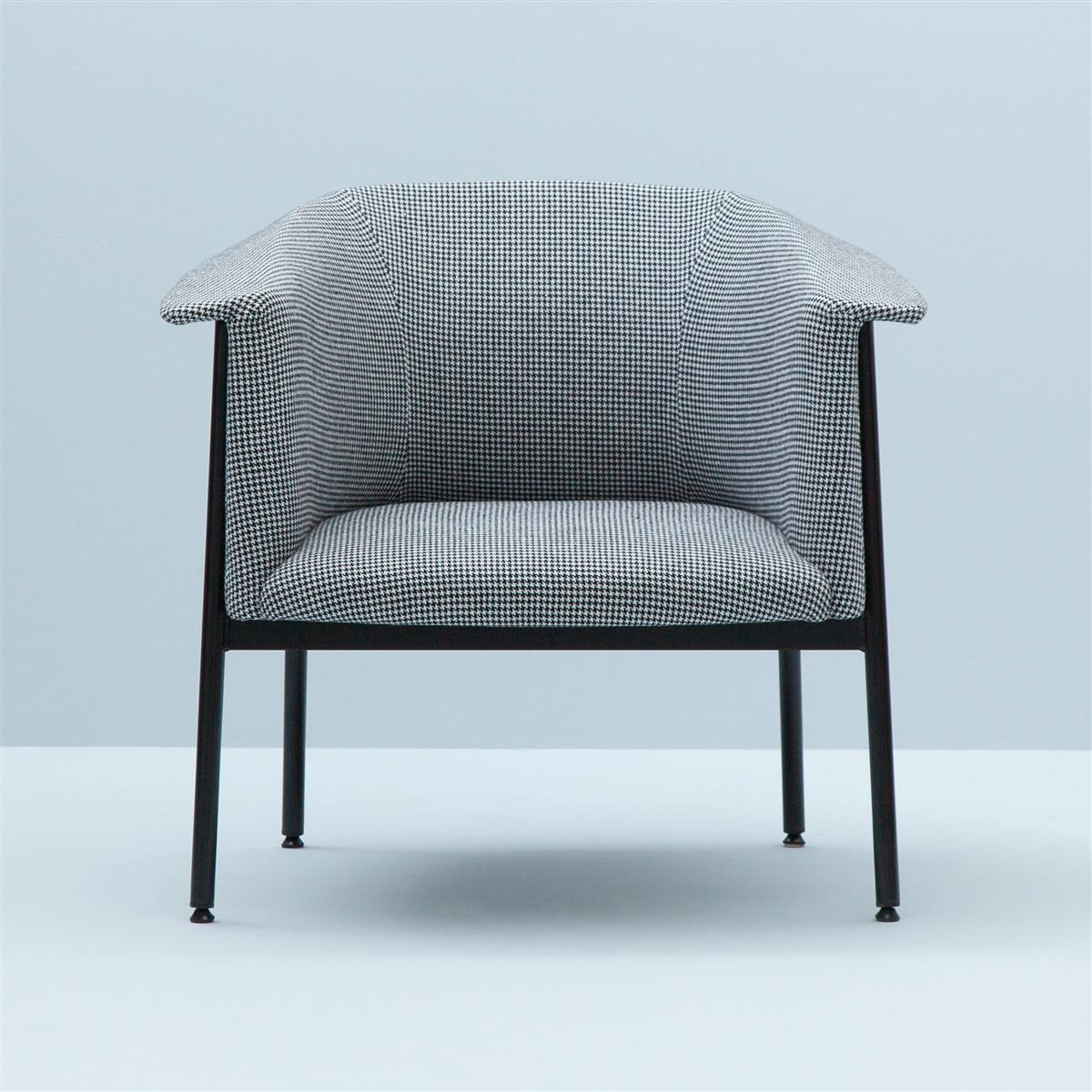 Kavai Lounge Chair. Bute Troon 27 tekstil.