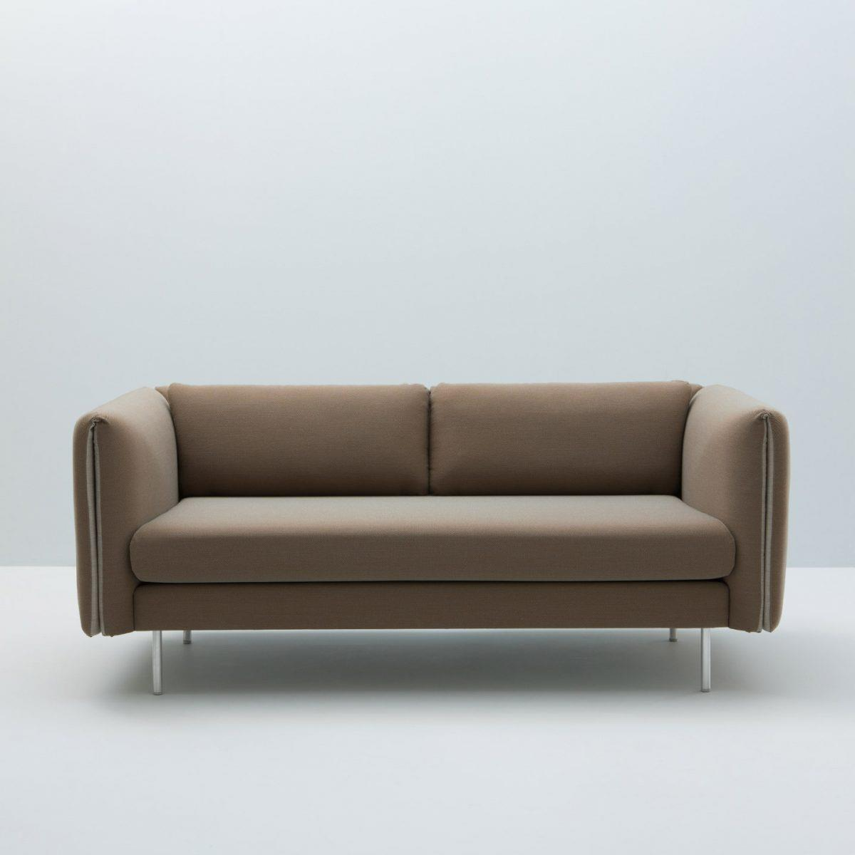 DUO Sofa. Aluminiumsben. Innetekstil: Gr.3. Yttertekstil: Gr.3