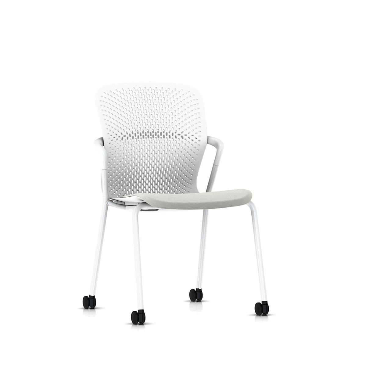 Keyn 4 Leg Chair - Studio White med Camira Sprint tekstil og trinser for alle underlag