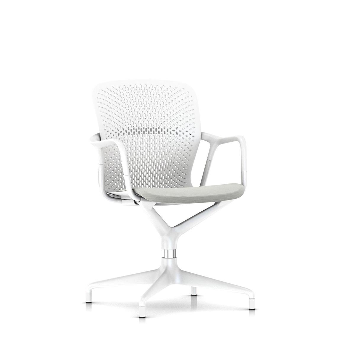 Keyn 4 Star Pedestal - White with Arms og polstret sete med Camira Sprint, glidere for alle underlag