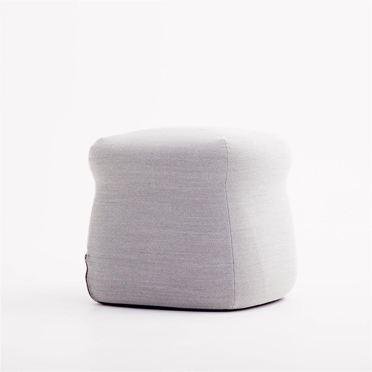 Boy Pouf. Steelcut Trio 133.