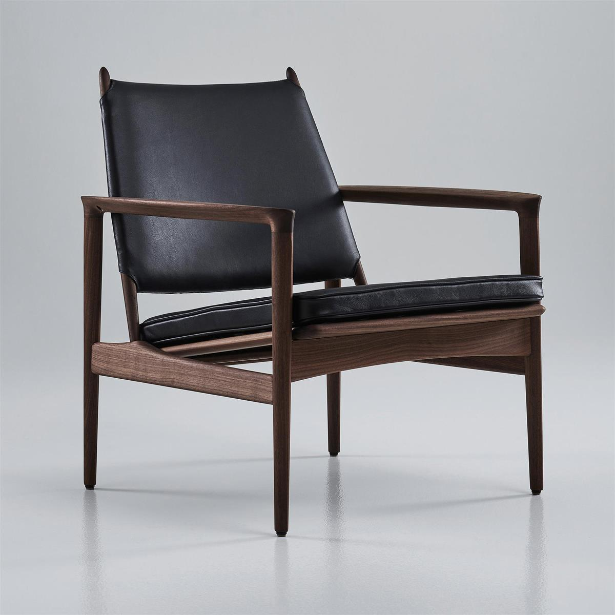 Broadway Lounge chair. Valnøtt oljet. Semi-aniline leather. (Range: Spectrum)